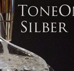 Trinkwasserwirbler ToneOne Silber mit Krug