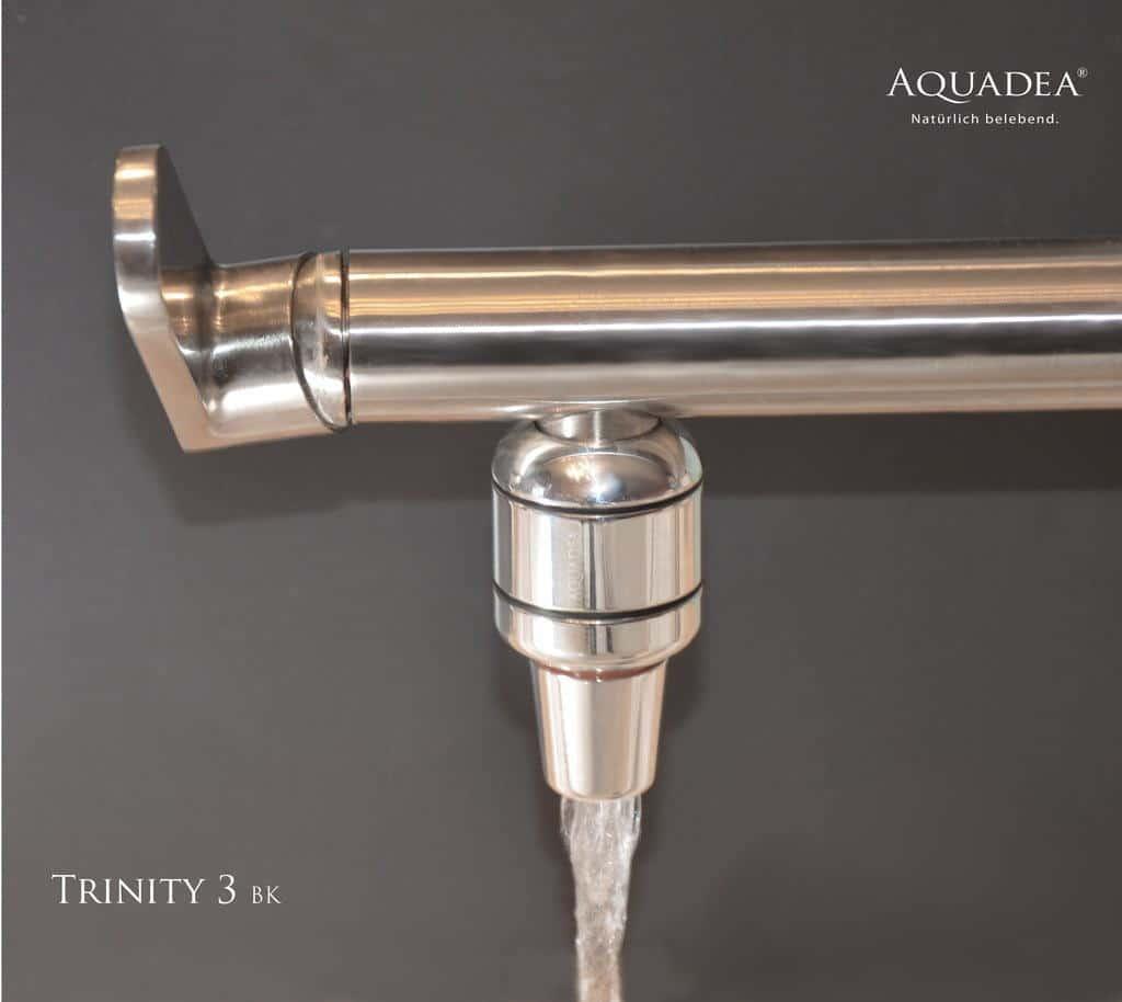 Trinkwasser-Wirbler Trinity in Betrieb an Wasserhahn