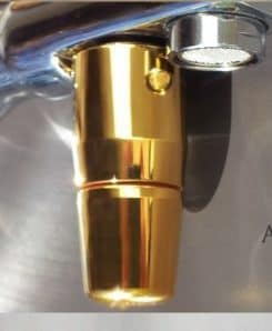 Trinkwasserwirbler ToneOne Gold an Wasserhahn 2